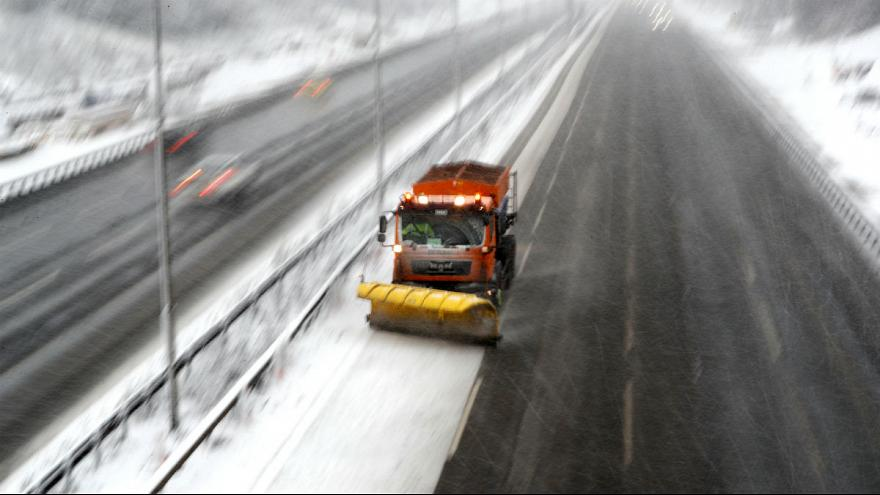 UK Snow: Severe weather causes widespread travel disruption