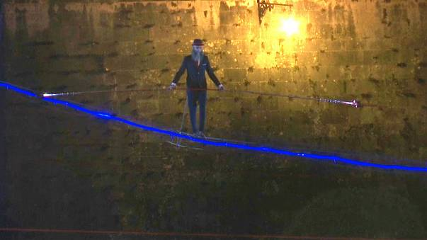 Rom: Hochseilakt in 20 Metern Höhe