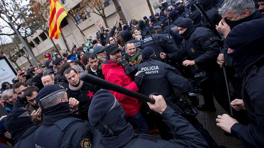 İspanya'nın Lleida Müzesi'nde protesto