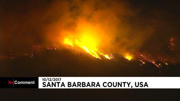 Lucha contra las llamas en el sur de California