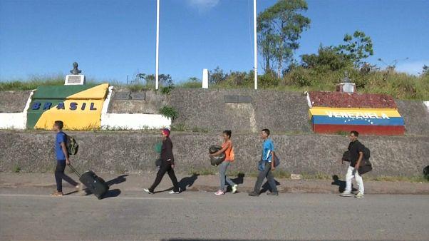 Miles de venezolanos emigran a pie a Brasil