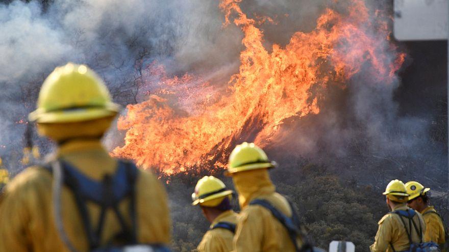 Sztárokat is evakuáltak Kaliforniában