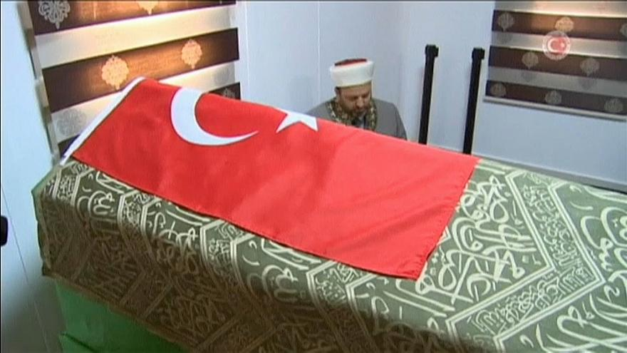 """Yıldırım: """"Süleyman Şah Türbesi eski yerine taşınacak"""""""