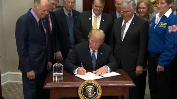 USA: Vissza a Holdra