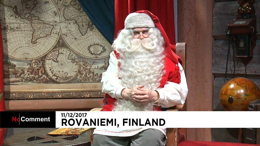Der Weihnachtsmann bei seiner Ansprache