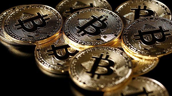 Είναι τελικά το κρυπτονόμισμα bitcoin μία σύγχρονη «τουλιπομανία;»