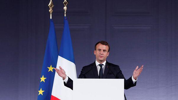 """الرئيس الفرنسي إيمانويل ماكرون خلال قمة """"كوكب واحد"""" بشأن المناخ"""