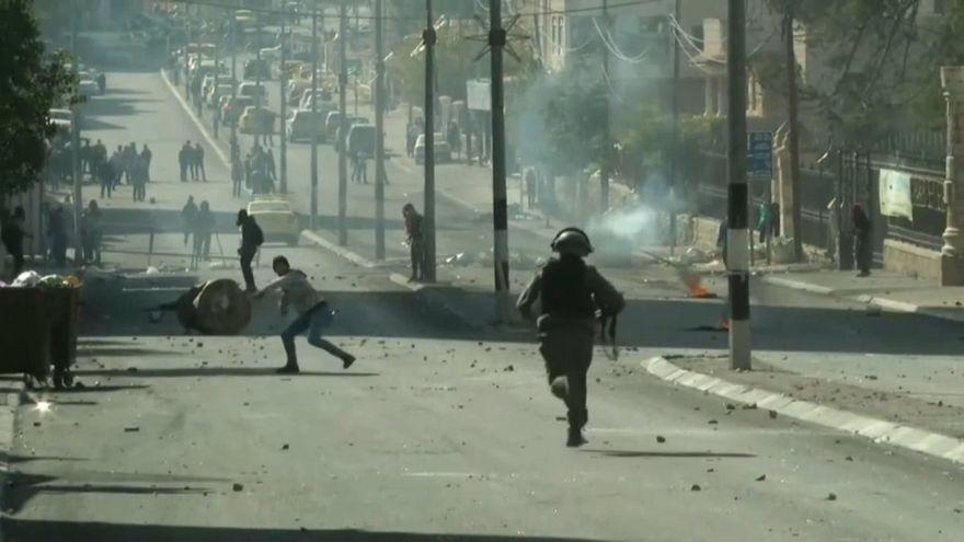 Due palestinesi uccisi nella Striscia di Gaza, scontri in Cisgiordania