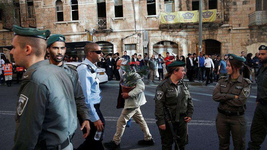 مجموعة من الجنود الإسرائيليين في مدينة القدس المحلتة