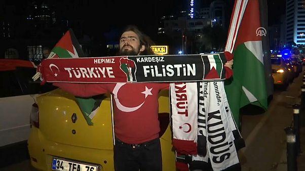 Турецкие таксисты против решения Трампа