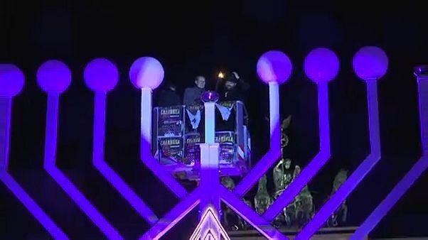 Μήνυμα ενότητας από το Βερολίνο στο ξεκίνημα της εβραϊκής γιορτής Χανουκά