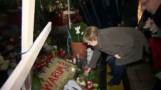 Kurz vor Jahrestag: Merkel besucht Breitscheidplatz