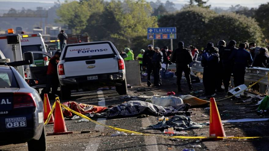 Mueren once peregrinos en un accidente de tráfico en México