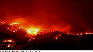 Kalifornien: Die riesigen Flammen des Thomas-Feuers hören nicht auf