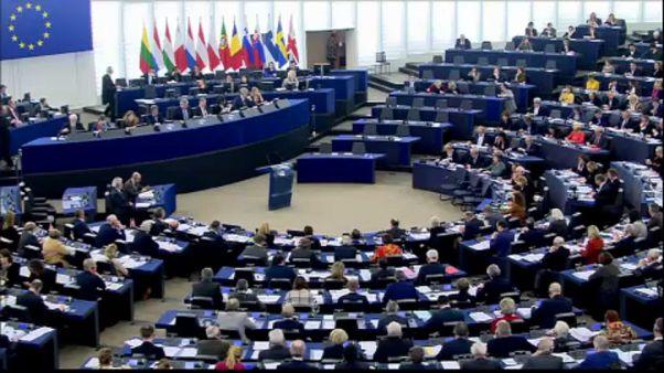 Avrupa Parlamentosu Brexit müzakerelerinde ikinci safhaya geçilmesini destekledi
