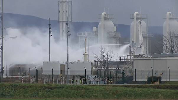 Gas prices drop after Austrian plant reopens