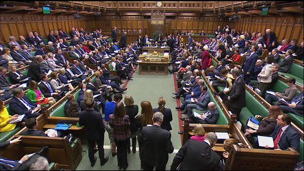 Brexit: May sconfitta in parlamento, passa emendamento di ribelli Tory