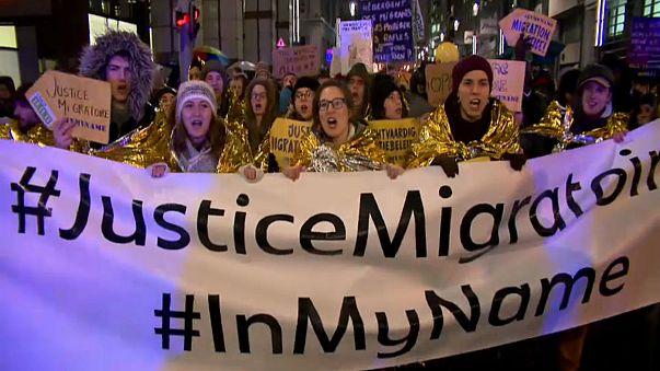تظاهرات بزرگ علیه سیاست «مهاجرستیزی» اروپا در آستانه نشست سران اروپا در بروکسل