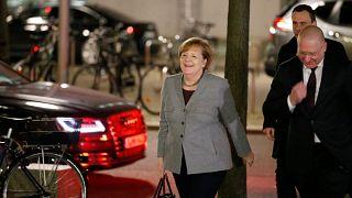 Merkel encontra-se com Schulz e tenta evitar eleições anticepadas