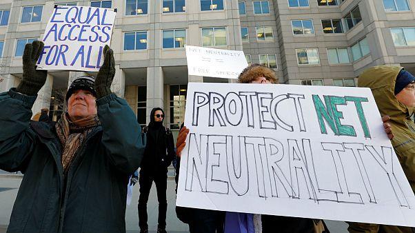 U.S. agency to vote on reversing net neutrality rules