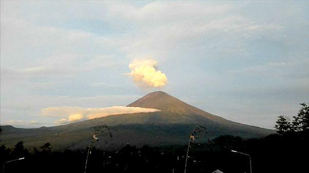 شاهد: ثوران بركان بالي بأندونيسيا
