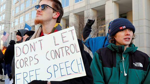 Partidários da neutralidade da Net protestam contra a esperada mudança