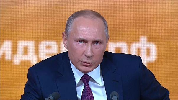 """Putin diz que ligação Rússia-EUA na eleição de Trump é """"uma invenção"""""""