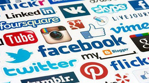 وكالات أنباء عالمية تطالب بفرض رسوم على شبكات التواصل الاجتماعي