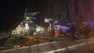 فرانسه؛ ۶ کشته در پی برخورد قطار با اتوبوس حامل دانش آموزان