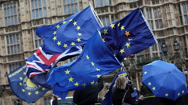 Brexit: Στη δεύτερη κρίσιμη φάση οι συνομιλίες