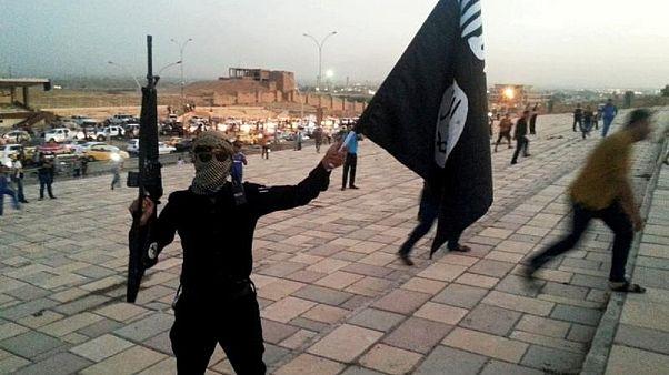 """أحد مقاتلي تنظيم """"الدولة الإسلامية"""""""