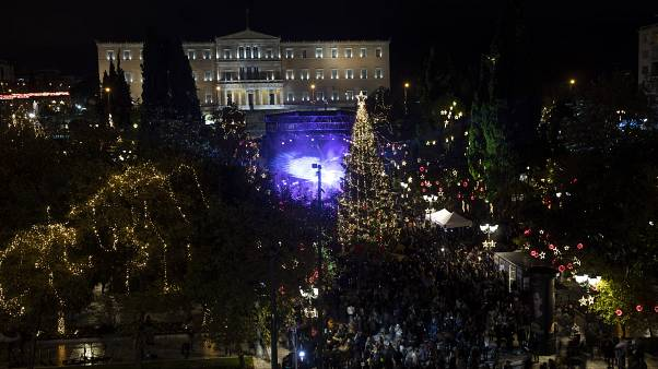 Ήθη και έθιμα των Χριστουγέννων και της Πρωτοχρονιάς στην Ελλάδα