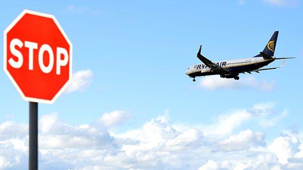 Un aereo Ryanair si prepara ad atterrare a Dublino