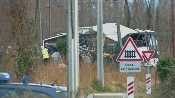 La policía francesa investiga el accidente de un bus escolar