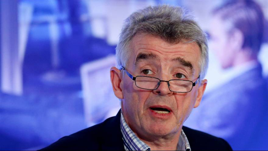Diretor executivo Michael O'Leary assinou comunicado da mudança
