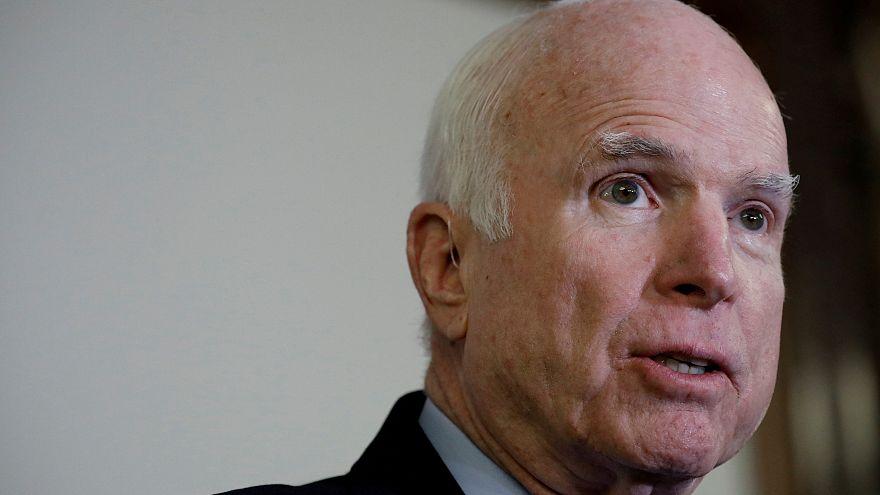 Kanserle savaşan Cumhuriyetçi Senatör John Mccain zor günler geçiriyor