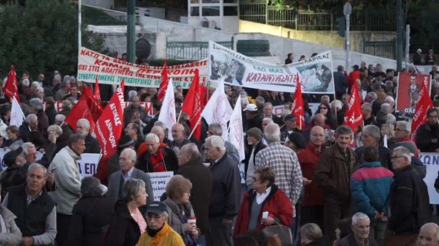 Maxi manifestazione di pensionati ad Atene, contro nuovi tagli