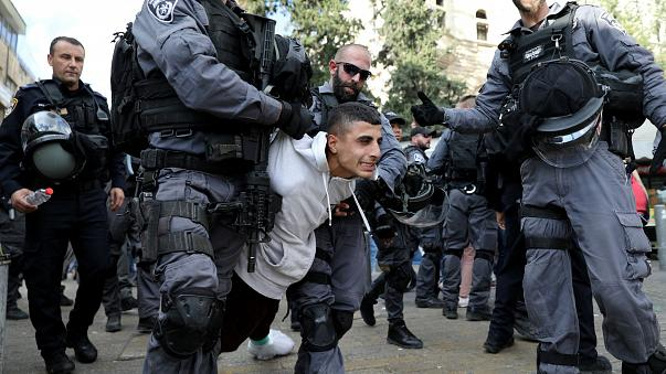 القوات الإسرائيلية تعتقل فلسطينيا بالقدس بعد مظاهرات الجمعة ضد قرار ترامب