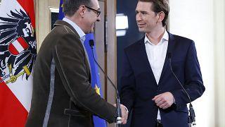 Rechte Koalition in Österreich: Kurz (31) und Strache (48) stellen Programm vor