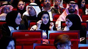 زنان عربستان از این پس میتوانند کامیون و موتورسیکلت هم برانند