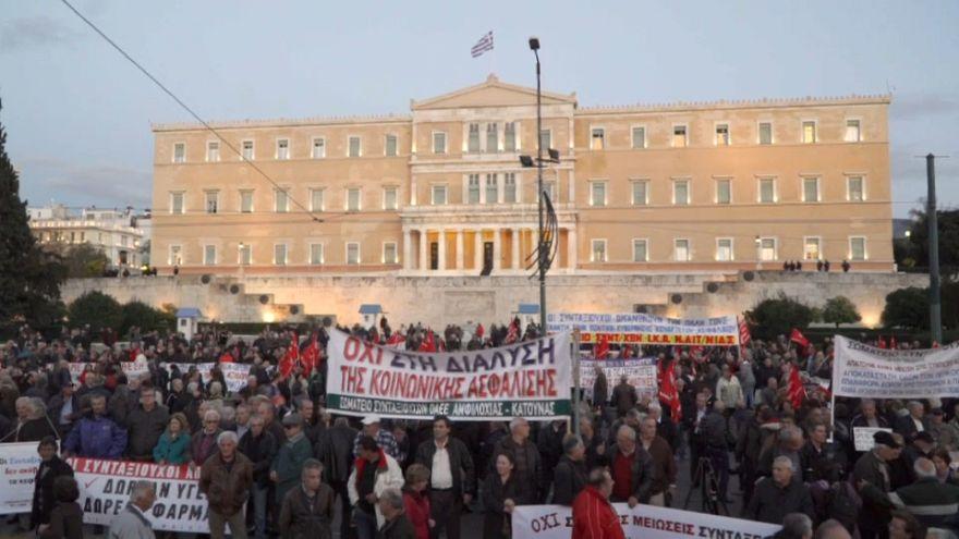 Manifestación en Atenas contra los recortes de pensiones