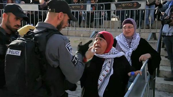 الشرطة الإسرائيلية تقمع وقفة احتجاجية نسوية بالقدس وتعتقل شابة كفيفة