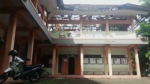 Sismo abala Indonésia