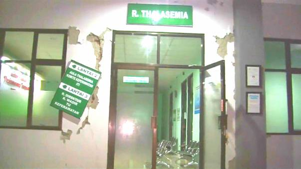 Indonesien: Erdbeben erschüttert Java