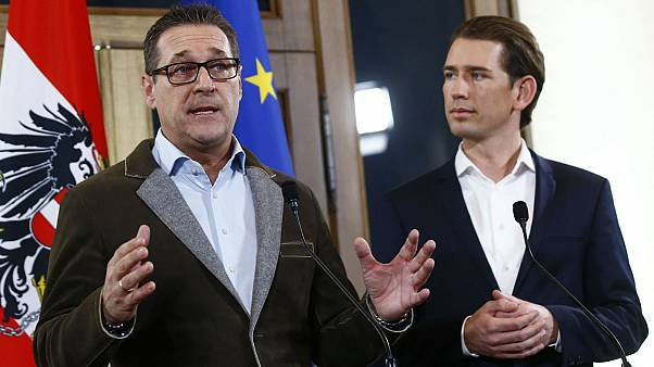 Head of the FPOe Strache and head of the OeVP Kurz address a news conferenc