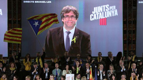 Catalogne : Puigdemont fait campagne à distance