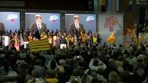 Puigdemont üzent katalán híveinek