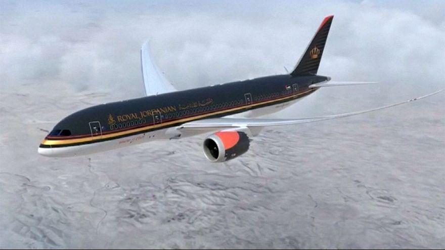 يوسف الدعجة كابتن طيار لدى الملكية الأردنية