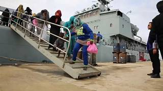 Мигранты: жизнь спасена, мечты разбиты