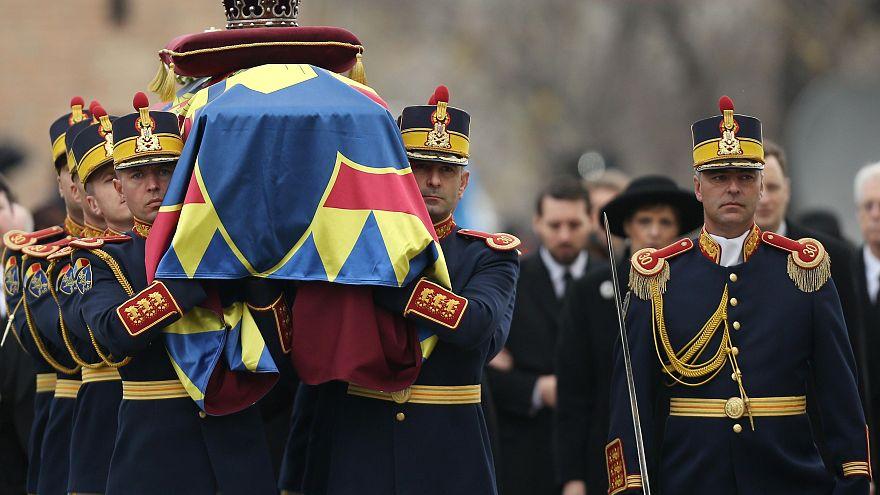 Romanya eski kralına veda etti